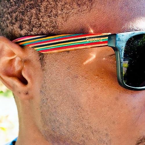 Sunglasses aus Skateboards